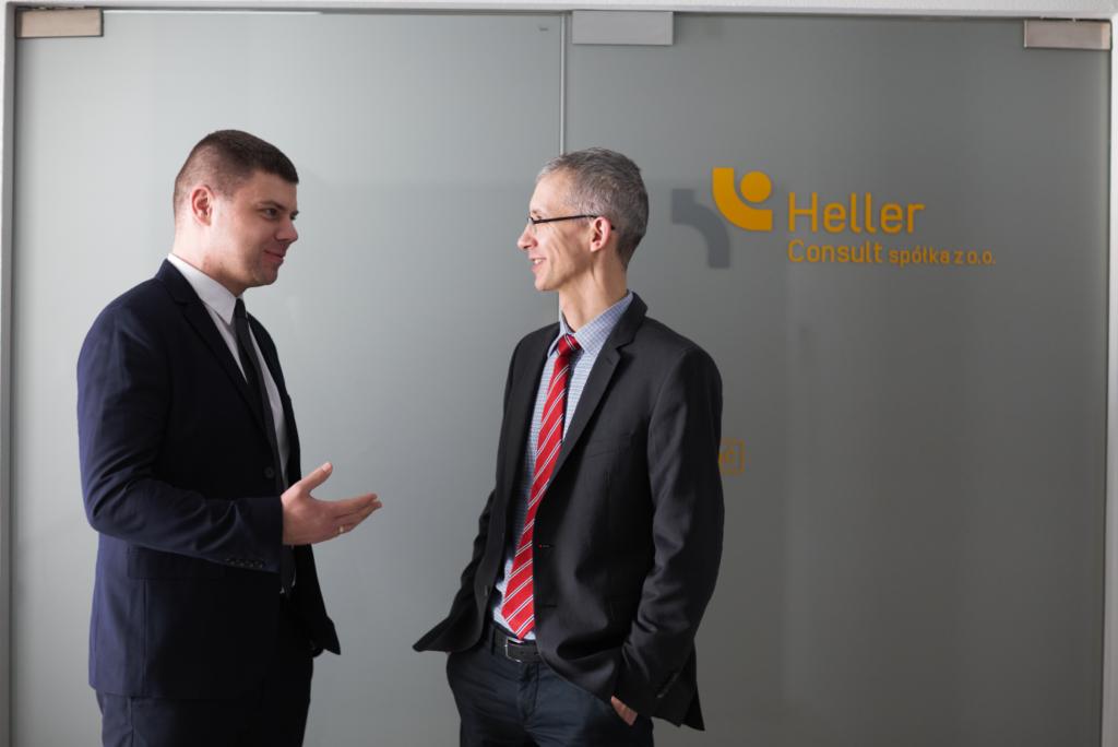 Wojciech Smęt i Tomasz Wojsz w biurze Heller Consult w Białej Podlasce